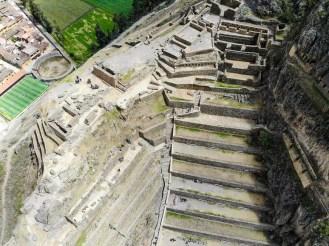 Inka Ruinen in Ollantaytambo Drohnenaufnahme