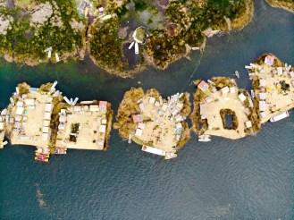 Uros Floating Inseln auf dem Titicacasee von oben