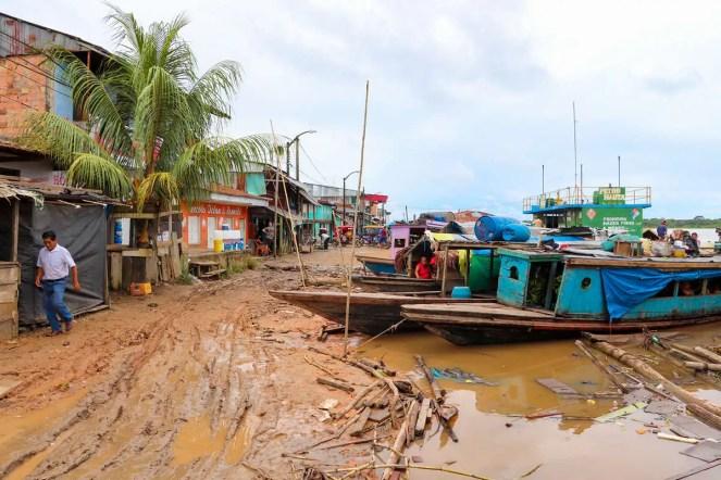 Hafen in Nauta Peru