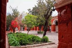 Hauptkreuzgang im Santa Catalina Kloster in Arequipa