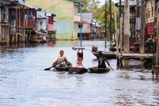 Kinder in Belén, Iquitos