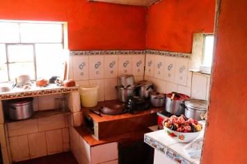 Küche des Homestays auf Amantani