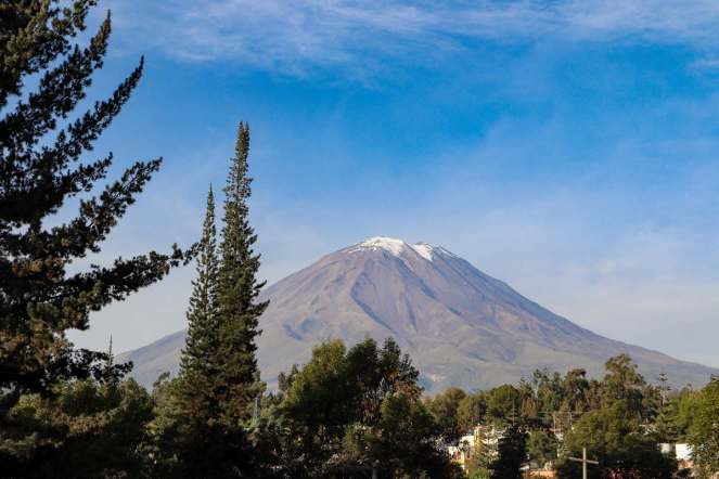 Vulkan Misti vom Mirador Del Puente Grau in Arequipa