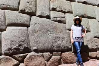 Zwölfwinkliger Stein auf der Hatunrumiyoc Straße in Cusco