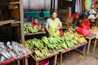 Bananenverkäufer auf dem Belen Market