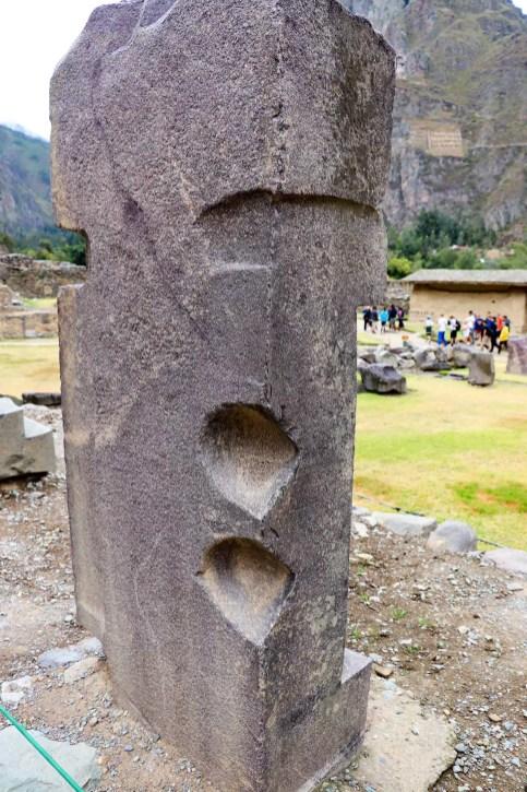 Großer bearbeiteter Stein in Ollantaytambo