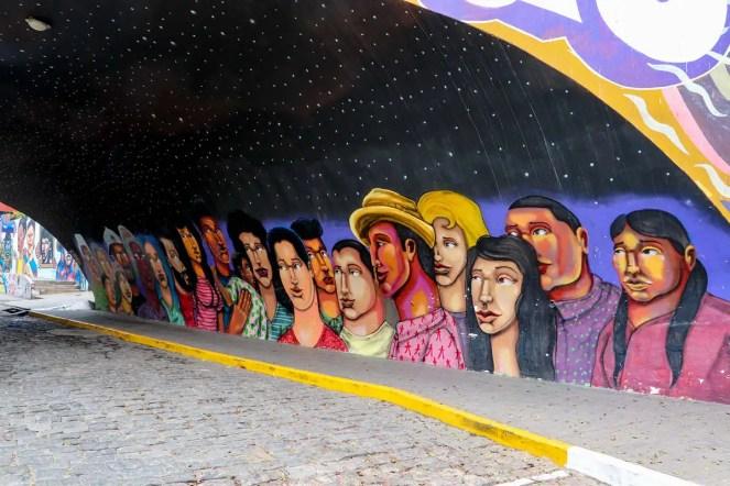 Street Art unter einer Brücke in Lima