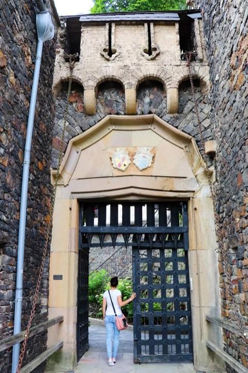 Eingangstor Burg Rheinstein