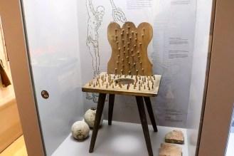 Folterstuhl im Haus der Geschichte