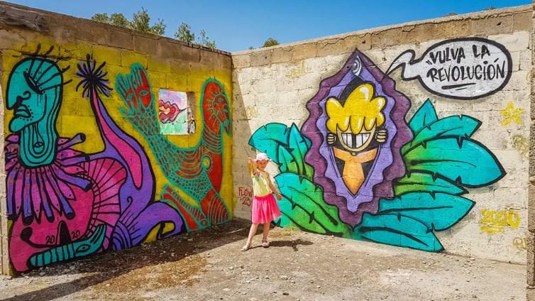 Vulva la Revolución Graffiti Cala D'en Serra