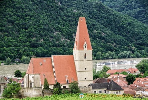 Weissenkirchen white church