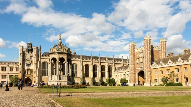 Trinity College - Great Court by Rafa Esteve