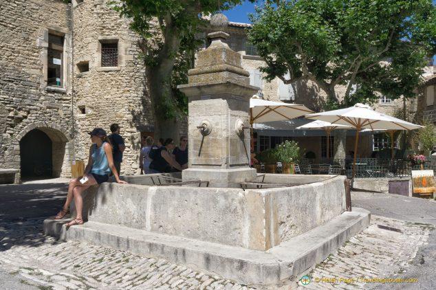 Gordes Water Fountain