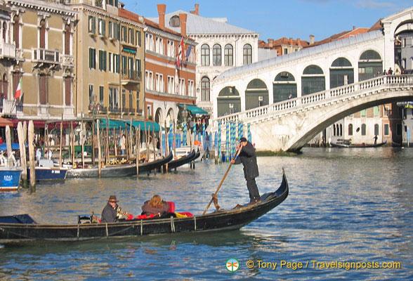 Gondola at the Rialto Bridge, Venice