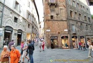 Shopping in Siena