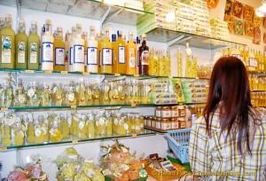 Capri Shops