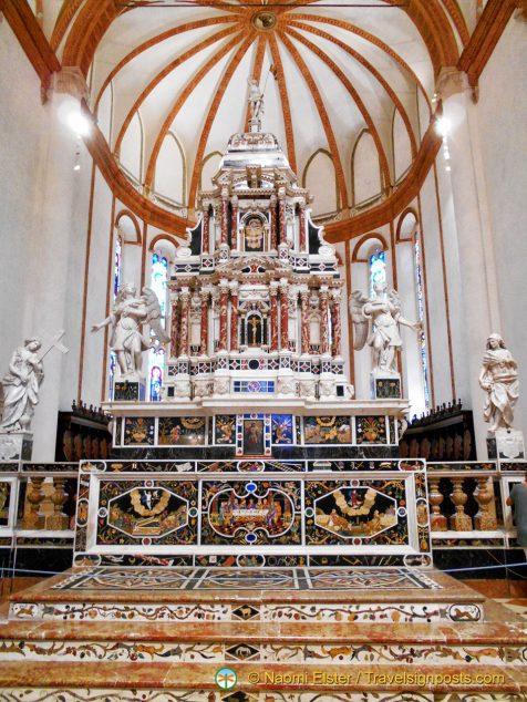 The altar at the Santa Corona church, Vicenza, Italy
