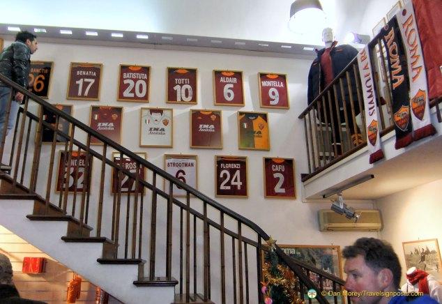 Football Fan's Heaven: A.S. Roma Store, Piazza Colonna