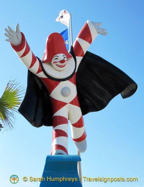 Burlamacco , the official mascot of Viareggio's Carnival