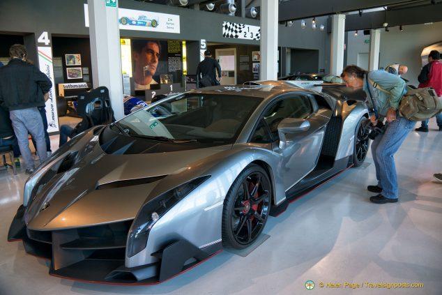 Lamborghini Veneno (2014)