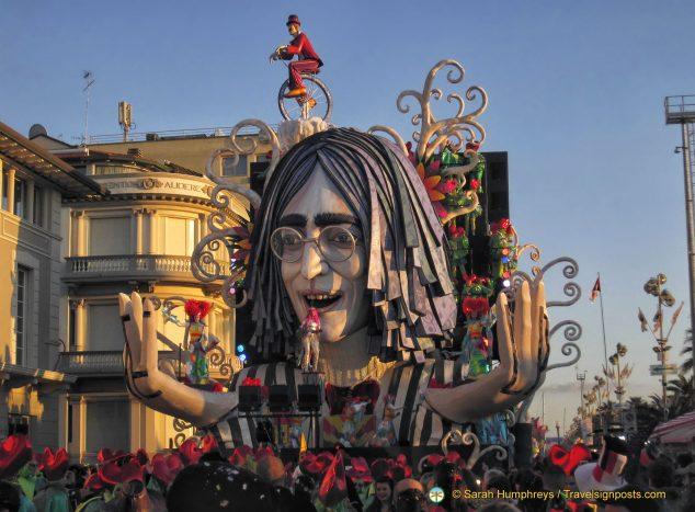 """Revolution"" (and John Lennon) makes its way along the Viareggio promenade"