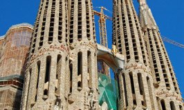 Sagrada Familia – Gaudi's Temple of the Holy Family