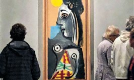 One of many paintings of a woman by Picasso as displayed in the museum