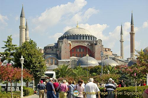 Hagia Sophia, Sultanahmet Square