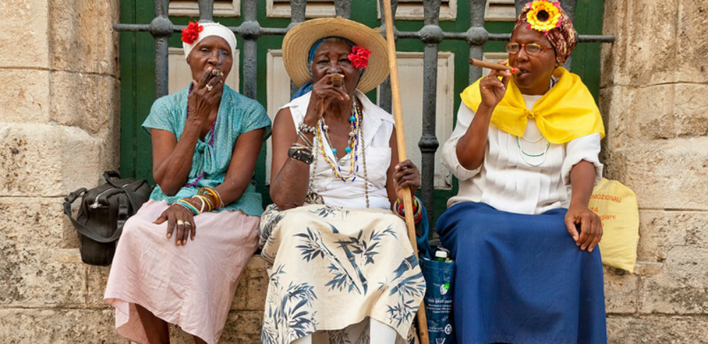 Destination Guide Havana Cuba Old Ladies Cigar Smoking TravelSmart VIP blog