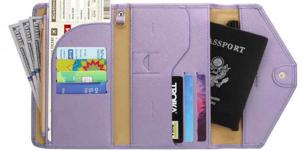 travel gifts under 20usd - travel wallet - travelsmart vip