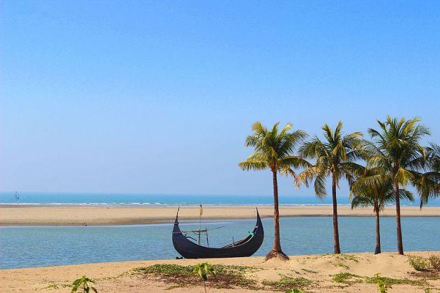 Inani_Beach