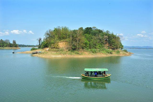 Island_of_Kaptai_Lake