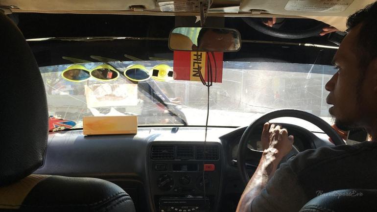 Osttimor Timor Leste Dili gelbes Taxi blaues Taxi