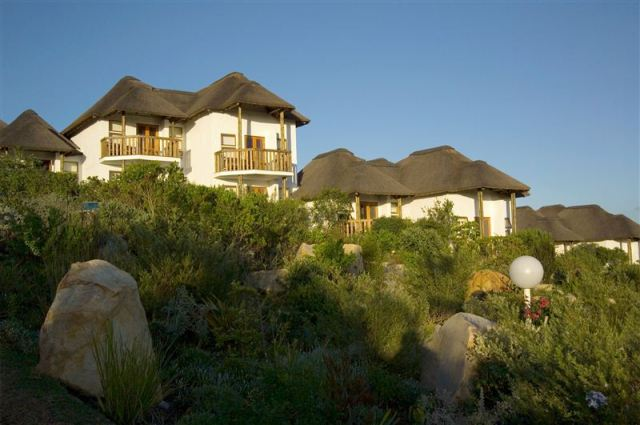 Whalesong Coastal Lodge Plett
