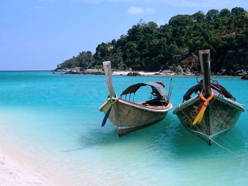 zanzibar island boats