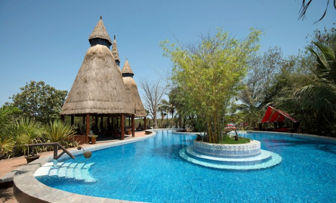 Mandina Lodges Pool