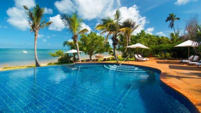011102-01-pool-beach-view