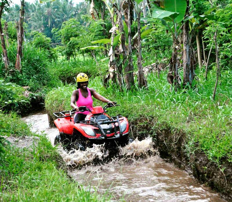 volunteer in jungle