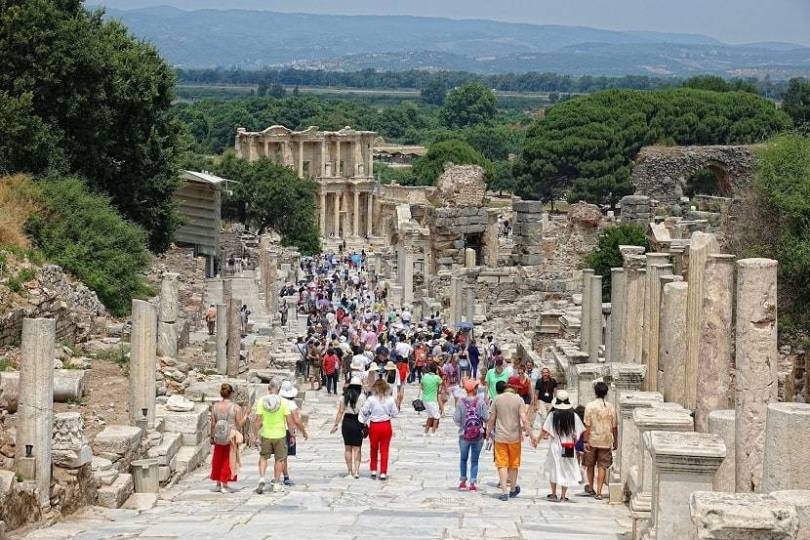 Tourists surge to Ephesus as pandemic restrictions erased