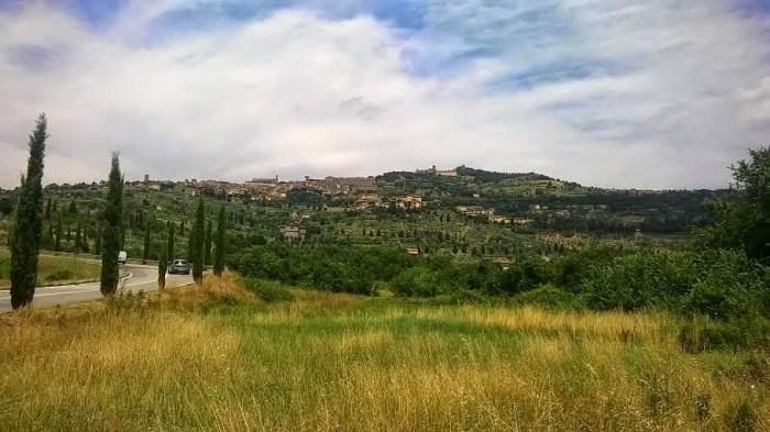 La collina che porta all'antico borgo di Cortona
