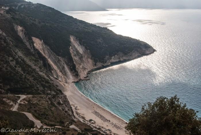 La mitica spiaggia di Myrtos vista dall'alto