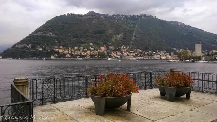 La vista dal lungolago di Como