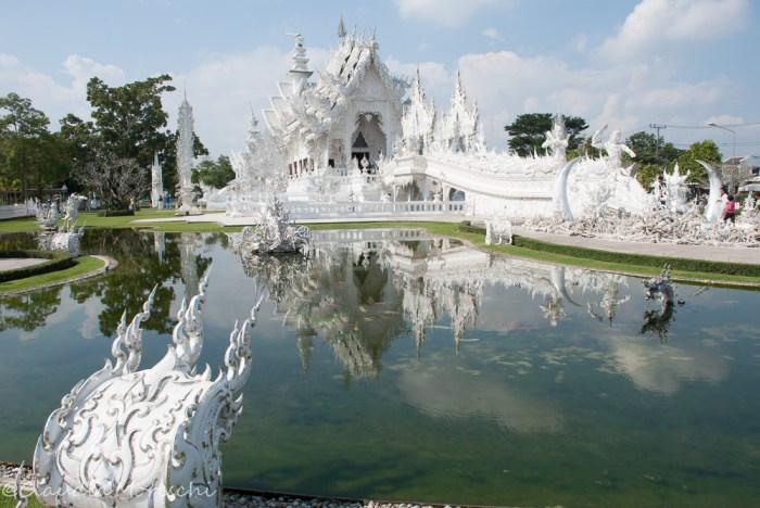 Il fantasmagorico White Temple, appena fuori Chiang Rai