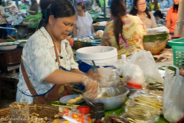 Al mercato serale di Lampang