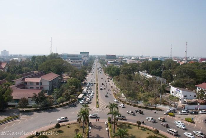 Vista su Vientiane dal Patuxai