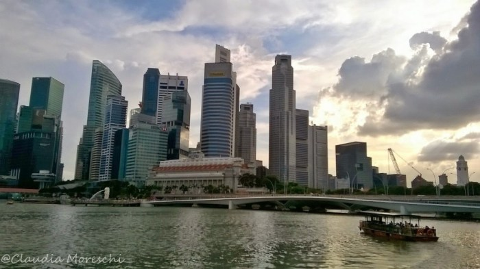 Lo skyline di Singapore a Marina Bay
