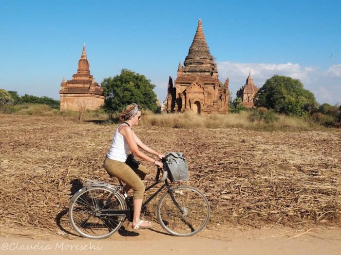 Tra i templi di Bagan in bicicletta
