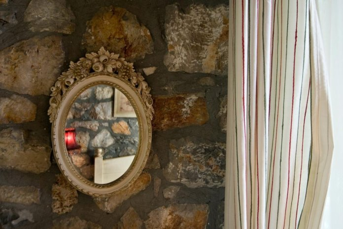 Guest House Alexiou ορεινή κορινθία δεντρόσπιτο παραδοσιακή διακόσμηση