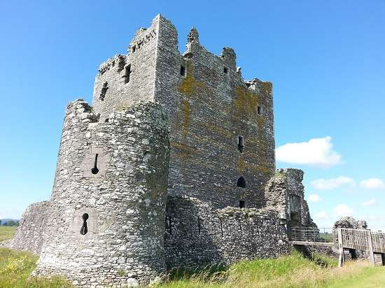 threave castle walls