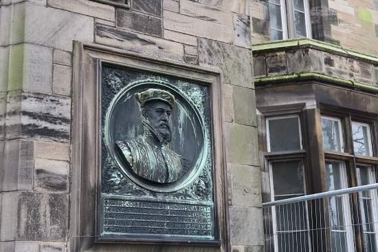 linlithgow history tour james stuart plaque.